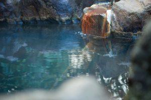 温泉 湯口